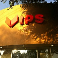 Photo taken at Vips by 👾Rodrigo P. on 6/15/2012