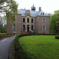Photo taken at Kasteel Oud Poelgeest by Petrut G. N. on 4/28/2012