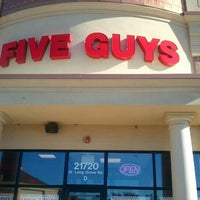 Photo taken at Five Guys by Leo T. on 8/5/2012