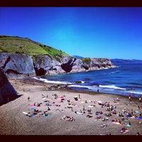 Photo taken at Playa de Itzurun / San Telmo by Federico Á. on 7/16/2012