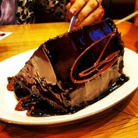 Photo taken at Chocolateria San Churro by Vignesh M. on 8/24/2012