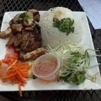 Photo taken at Dua Vietnamese Noodle Soup by Lazarus T. on 3/14/2012