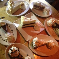 Photo taken at The Cheesecake Factory by Oscar Alejandro on 7/1/2012