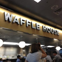 Photo taken at Waffle House by J.Vincenzo on 8/17/2012