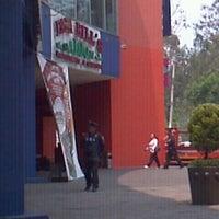 Photo taken at Papa Bill's Saloon by Gerardo G. on 4/18/2012