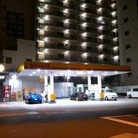 Photo taken at 昭和シェル石油 下寺町SS/株式会社三徳リテールシステム by Hirotake M. on 7/28/2012