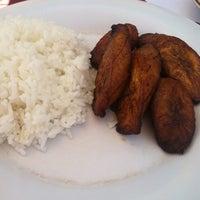 Photo taken at Los Cubanos by Vix E. on 8/18/2012
