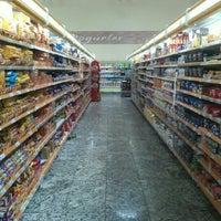 Foto tirada no(a) Cometa Supermercados por George F. em 7/28/2012