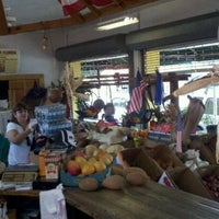 Photo taken at Los Pinareños Fruteria by Gabriel N. on 4/23/2012