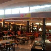 Photo taken at Patio de comidas by Cristopher M. on 8/1/2012