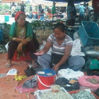 Photo taken at Tamu Pekan Membakut by Harun n. on 2/8/2012