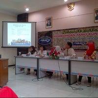 Photo taken at Jenang Kudus - Mubarok by Rani Putriarni T. on 4/25/2012