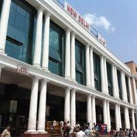 Photo taken at New Delhi Railway Station (NDLS) by Mazaki T. on 7/18/2012