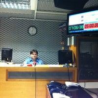 Photo taken at Rádio O POVO CBN Fortaleza FM 95.5 by Taziane A. on 7/4/2012