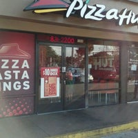 Photo taken at Pizza Hut by Wil M. on 3/16/2012