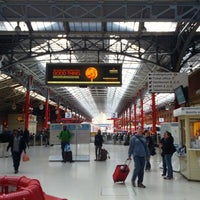 Photo taken at London Marylebone Railway Station (MYB) by Jeff on 7/15/2012