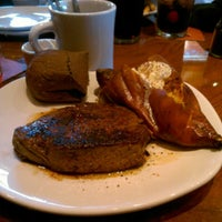 Photo taken at Outback Steakhouse by Nikki G. on 8/26/2012