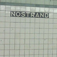 Photo taken at MTA Subway - Bedford/Nostrand Aves (G) by Kimble S. on 7/8/2012