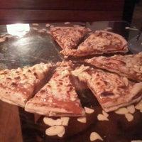 Photo taken at Mamma Jamma Pizzeria by Gabriel C. on 2/15/2012
