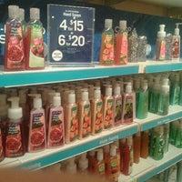 Photo taken at Bath & Body Works by Lorenzo J. on 8/17/2012