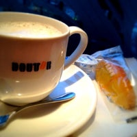 Photo taken at Doutor by ads p. on 2/16/2012