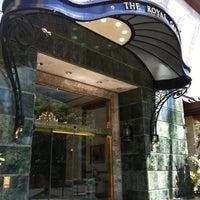 Photo taken at Royal Garden at Waikiki Hotel by @MiwaOgletree on 8/13/2012