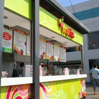 Photo taken at Frutix by Eduardo M. on 4/7/2012