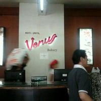 Photo taken at Roti Unyil Venus by ian j. on 2/16/2012