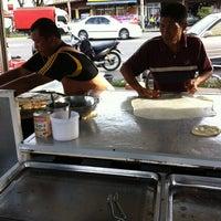 Photo taken at Pak Wan Roti Canai by kimi h. on 3/1/2012