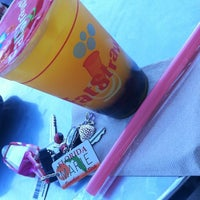 Photo taken at Fat Straws Bubble Tea & Juice by Marie S. on 9/11/2012