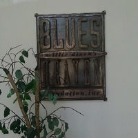 Photo taken at Willie Dixon's Blues Heaven Foundation, Historic Site of Chess Records by Andrei S. on 8/24/2012