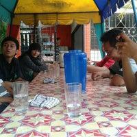 Photo taken at Warung Srikandi by Nining D. on 3/22/2012