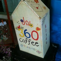 Photo taken at 360º Coffee by Joke 08 on 8/5/2012