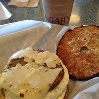 Photo taken at Noah's Bagels by Tak U. on 8/11/2012