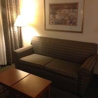 Photo taken at Staybridge Suites Chicago-Oakbrook Terrace by Jason M. on 4/14/2012