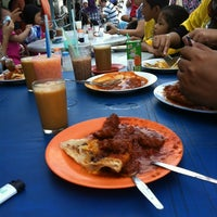 Photo taken at Roti Canai Transfer Rd. by Z4IL4NI on 4/8/2012