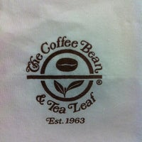 Photo taken at The Coffee Bean & Tea Leaf by Farra K. on 4/4/2012