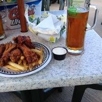 Photo taken at Quaker Steak & Lube® by Derrek T. on 7/31/2012