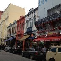 Photo taken at Rua Santa Ifigênia by Dudu A. on 5/31/2012