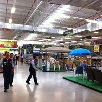 Photo taken at Homecenter y Constructor Cedritos by Houseman C. on 3/27/2012