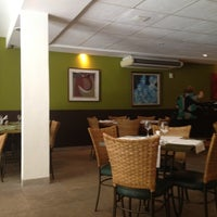 Photo taken at Limone Restaurante e Café by Lelex B. on 6/13/2012