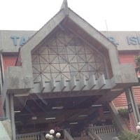 Photo taken at Pasar Besar Awam TTDI by Khancha K. on 6/15/2012