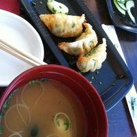 Foto tirada no(a) Carcavelos Sushi por Frederica B. em 6/28/2012