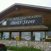 Photo taken at Tyrone Beer, Wine Liquor & Deli by DRR on 8/26/2012