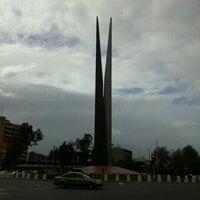 Photo taken at Glorieta Del Monumento a la Independencia (Las Tijeras) by Serch on 2/27/2012