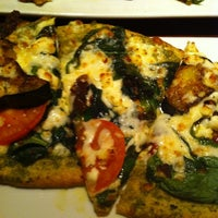 Photo taken at Uno Pizzeria & Grill - Forest Hills by mets on 3/12/2012