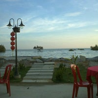 Photo taken at Restaurant Asam Batu Laut, Tg Sepat by Hedger L. on 3/9/2012