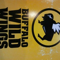 Photo taken at Buffalo Wild Wings by Pepe A. on 7/24/2012