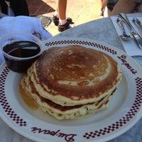 Photo taken at Du-par's Restaurant & Bakery by Joseph J. on 4/28/2012