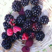Photo taken at Giardino del Cuoco by Milo J T. on 8/2/2012